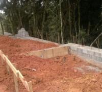 14/04/2011 - Muro de Arrimo Casas 10 a 13