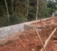 14/04/2011 - Muro de Arrimo Casas 14 a 18